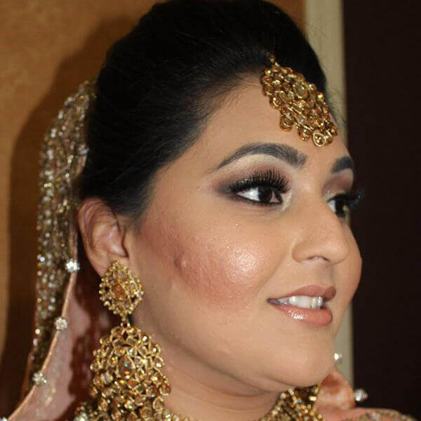 Beatuiful Bride With Dupatta, makeup & Jewelry Setting